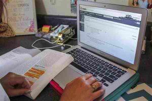 شادمهر: تحصیل دانشآموزان تا پایان پیک ششم مجازی باشد